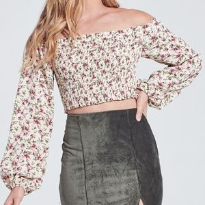 FLORAL SMOCKED LONG SLEEVE CROP TOP